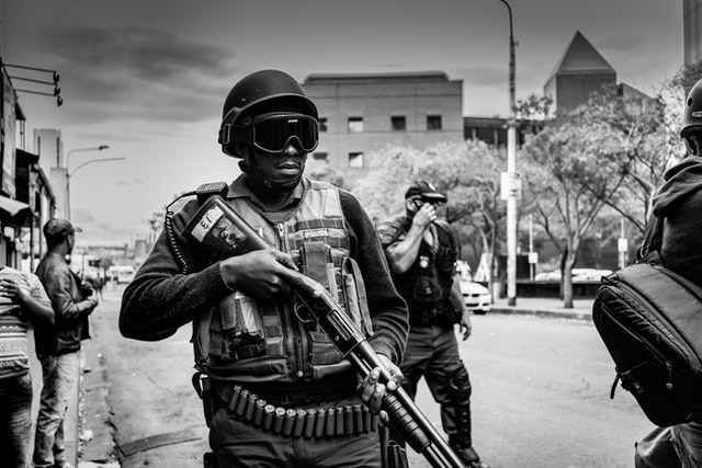 Police - Unsplash / Pawel Janiak