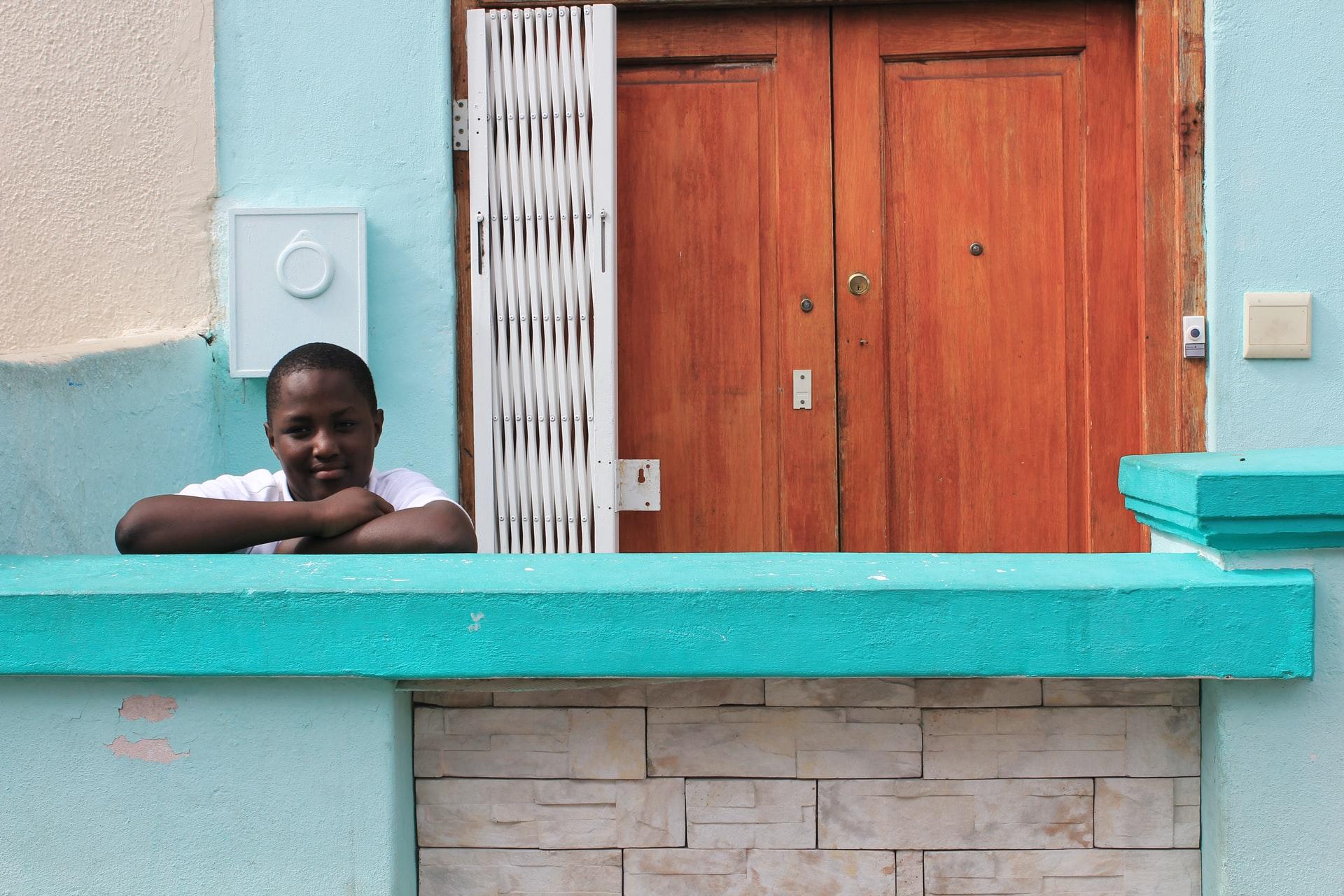 Kid in Bo Kaap, South Africa - Savannah Koomen / Unsplash