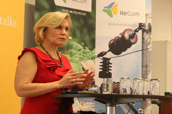 Minister Gunilla Carlsson at the June ReCom project meeting in Sida, Sweden.